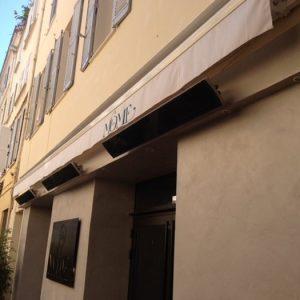 restaurant-la-mome-terrasse-chauffage-infrarouge-noir-e-terrasse
