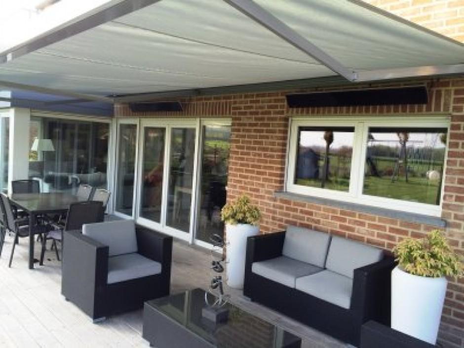 stores pour terrasse stunning amnagement du jardin. Black Bedroom Furniture Sets. Home Design Ideas