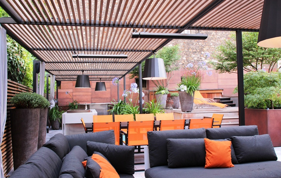 fixation horizontal sous une pergola d une terrasse d un toit parisien heatscope france. Black Bedroom Furniture Sets. Home Design Ideas